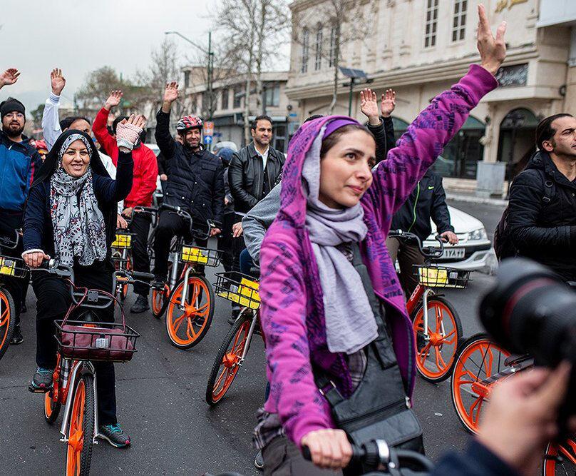 تبعات حذف زنان از دوچرخهسواری زنان