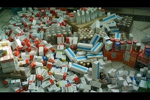 دستگیری کلاهبرداران 70 میلیاردی با 8 کانتینر دارو