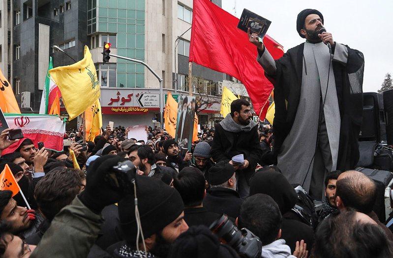پشتپرده حمله بهسفارت عربستان چهکسانی هستند؟+واکنشهای مسئولان