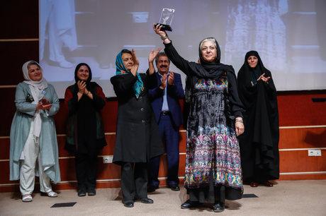 اصغر فرهادی: اگر «قصهها»ی سیاه است پس  فیلم  سفید چیست؟/ باران   کوثری : بلد نیستم درباره مامانم حرف بزنم+تصاویر