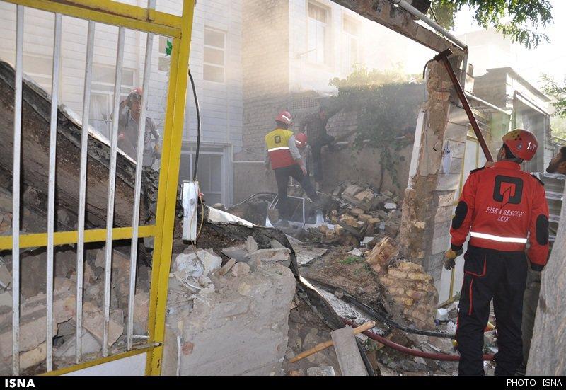 انفجار دو باب مغازه در اراک+تصاویر
