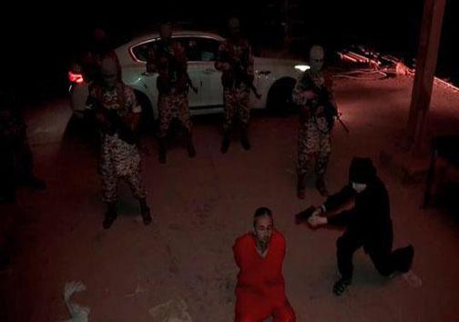 کودک داعشی دو اهل سنت را اعدام کرد+ تصاویر