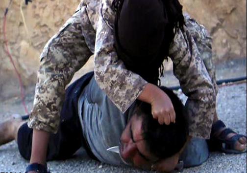 جلاد نوجوان داعش شناسایی شد+عکس(18+)