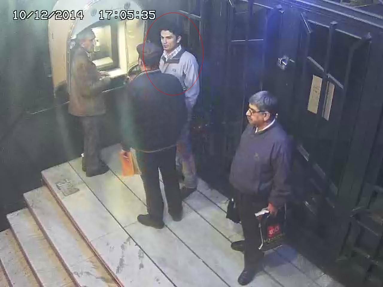 پلیس به دنبال کلاهبرداری که ماهرانه از مردم سرقت می کرد+تصویر