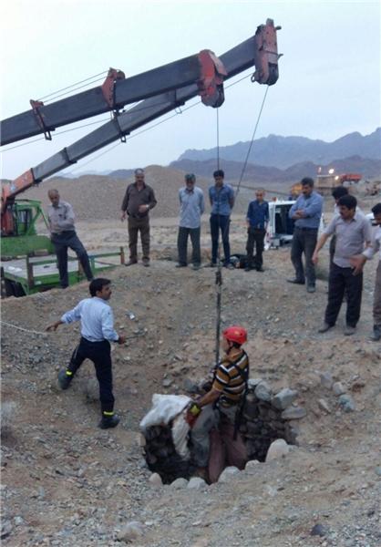 مرگ یک کارگر بر اثر سقوط در چاه 60 متری+ تصاویر