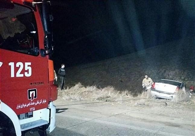 سقوط خودروی L۹۰ به دره در شرق تهران + تصاویر