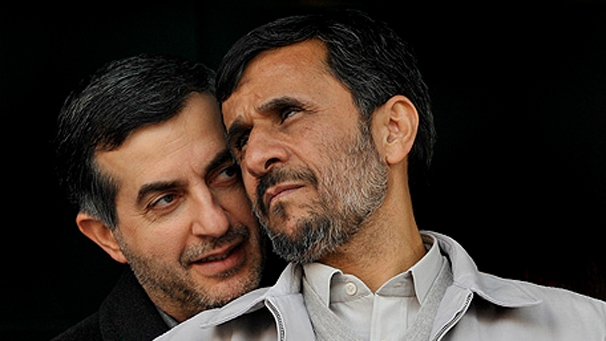 متن نامه به خاتمی؛ مردم احمدینژاد را نه مظهر اصولگرایی بلکه اصلاحطلب میدانند/بقایی جانشین مناسبی برای احمدینژاد است