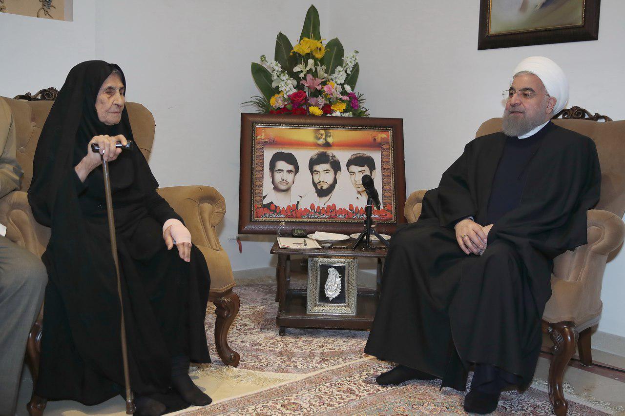 رئیسجمهور: زیارت خانواده شهدا، جانبازان و ایثارگران افتخاری بزرگ برای دولتمردان است
