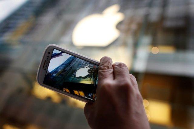قابلیتهای یک گوشی هوشمند در یک آینه
