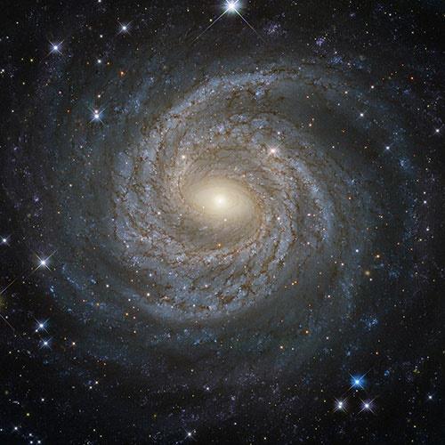 نمای نزدیک و خارقالعاده تلسکوپ هابل از یک کهکشان مارپیچی+تصویر