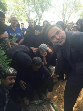 آخرین وداع مجتبی محرمی با مادرش