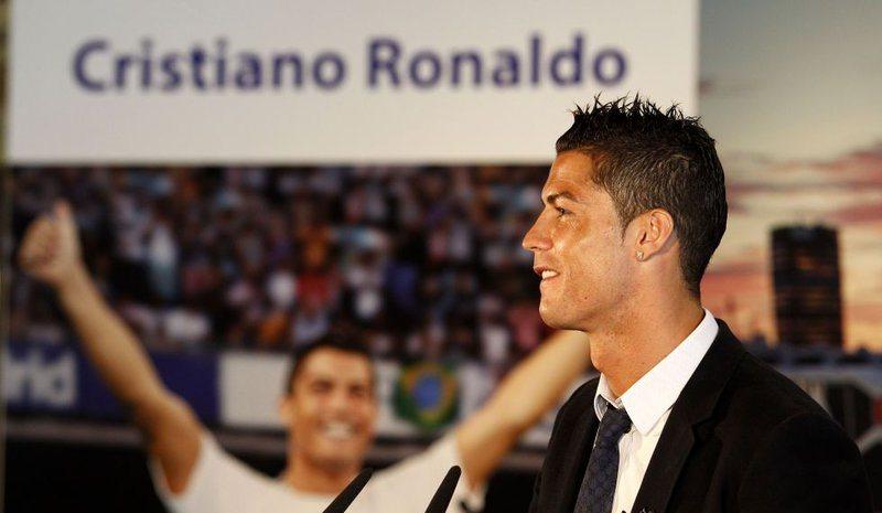 رونالدو پردرآمدترین ورزشکار جهان در سال 2016 شد