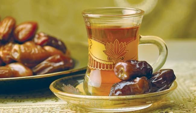 چرا هنگام افطاری باید خرما بخوریم؟!