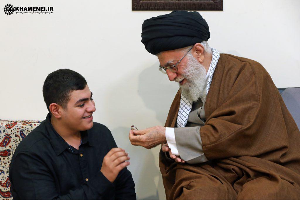 دیدار خانواده شهید بدرالدین با رهبر انقلاب