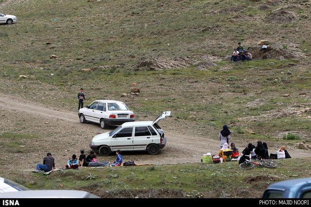 گردشگری خرابکارانه/با خودرو تا حلق طبیعت!+تصاویر
