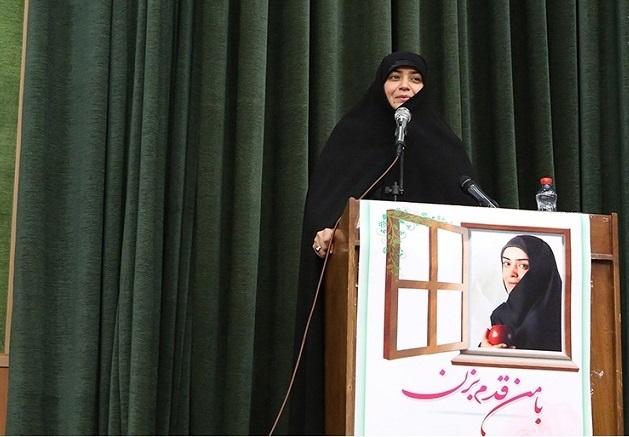 بازیگر پرحاشیه زن مجری شد +تصویر