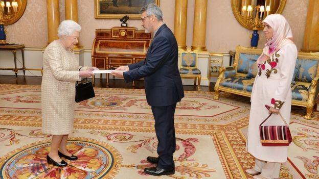 دیدار بعیدینژاد با ملکه انگلیس/عکس