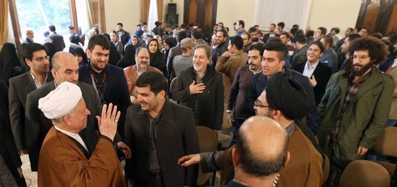 آیتالله هاشمی: آن 8 سال را به یادآورید/میخواستند تجربه عراق را در ایران تکرار کنند