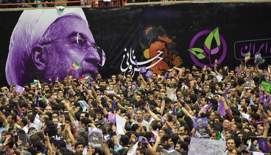فعالیتهای مشکوک در مشهد علیه منتخب ملت/ماجرای درخواست استعفای روحانی چیست؟