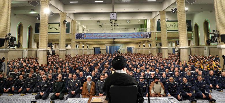 رهبرانقلاب: در عدالت کمکاری داریم/باید با فساد و ظلم مبارزه بشود/۲۲ بهمن تماشایی خواهد بود