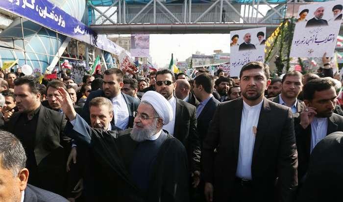 رئیسجمهور: برخی را از قطار انقلاب پیاده کردیم که میتوانستیم پیاده نکنیم