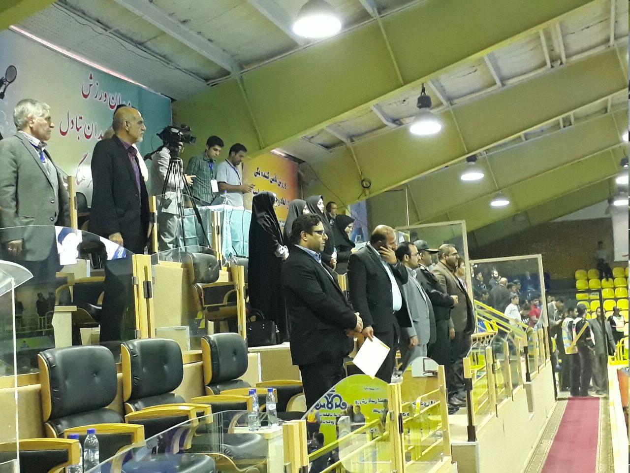 حضور بانوان شورای شهر ماهشهر در سالن مسابقات کشتی جام تختی+ عکس