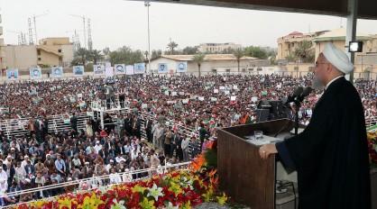 روحانی: کشورهای منطقه خلیج فارس به فکر تشکیل اتحادیه باشند/به تعهدات مان در برجام پایبند هستیم/بمب های ناپالم در اختیار عربستان نگذارید