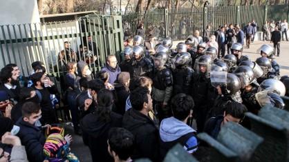 تشکیل پرونده قضایی برای دانشجویان بازداشتی/مسئولان دانشگاه: هیچ کس نمی تواند مداخله کند