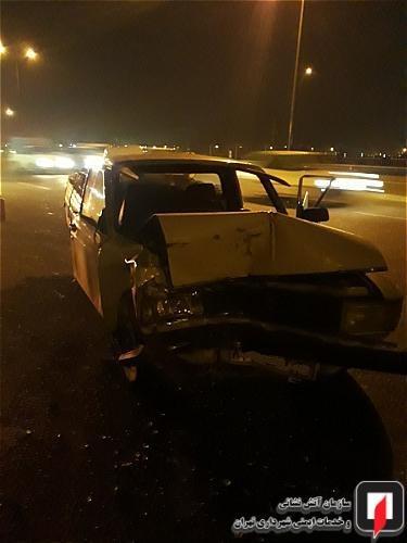 تصادف شدید وانتبار با کامیون در بزرگراه آزادگان+تصاویر