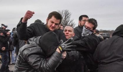 درگیری خونین نئونازی ها و طرفداران جنبش ضد فاشیستی «آنتی فا» در میشیگان+تصاویر
