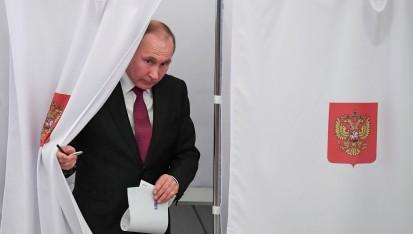 پوتین برای شش سال دیگر رئیسجمهور شد/اعتراض به تخلفات گسترده در انتخابات ریاستجمهوری روسیه+تصاویر