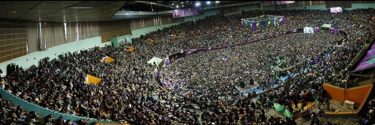 گاردین: ظهور موجی از رایدهندگان بهنفع روحانی/رویترز: او فراتر از مرزهای سنتی ایران بود