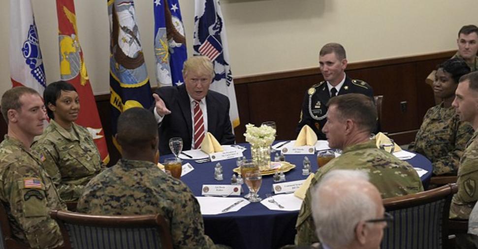 بیش از ۱۰ نکته درباره علل افزایش خطر جنگ میان ایران و امریکا/ترامپ واقعا آماده جنگ با ایران شده است؟