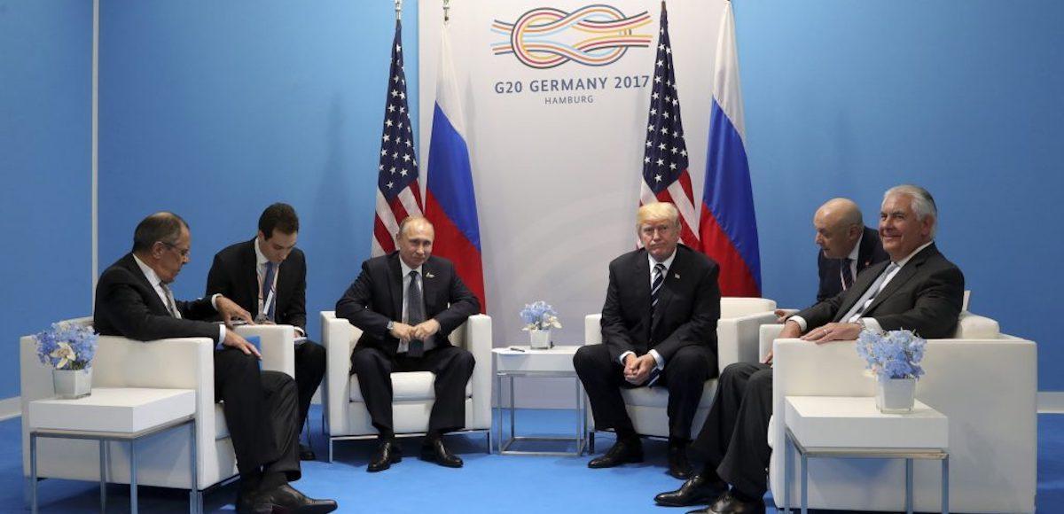 انتشار جزئیاتی تازه از دیدار ترامپ و پوتین؛ موضوع اصلی گفتوگو چه بوده؟