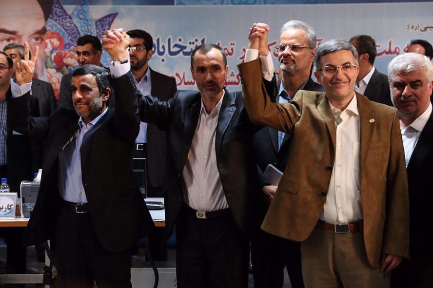 چه اشکالی دارد ۵ رفراندوم در ایران برگزار شود؟ اینها شجاعتش را ندارند/اگر عذر خواهی نکنند حتما شکایت می کنیم/4-5 برنامه اقتصادی داریم که اگر انجام شود مردم راحت می شوند/می گویند هرچه قدر میزنیم آنها ایستاده اند