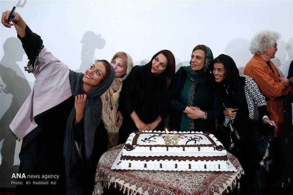 سلفی خانم های بازیگر در جشن تولد «گوهر خیر اندیش»