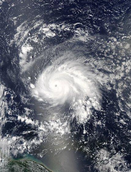 گزارش ناسا درباره طوفانهای آمریکا+تصاویر