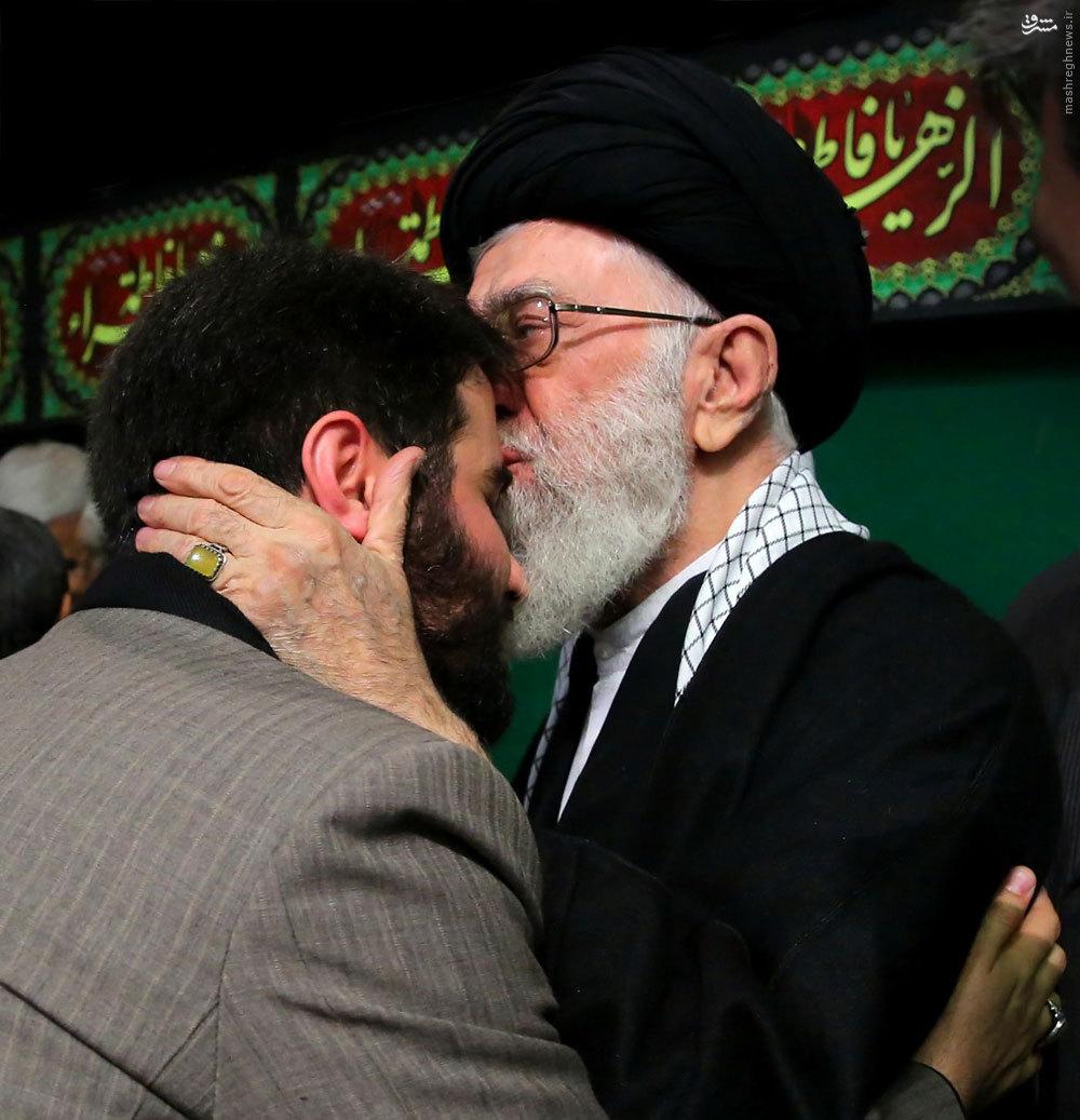 حمایت رهبر انقلاب از شعر عید فطر میثم مطیعی/آن شعر کاملا درست بود/ من در جواب مسئولان رده بالای دولت هم گفتم که هیچ اهانتی نبوده