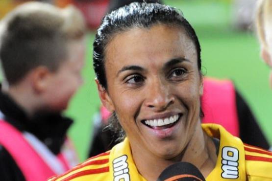 گران ترین بازیکن دنیای فوتبال زنان کیست؟ +عکس