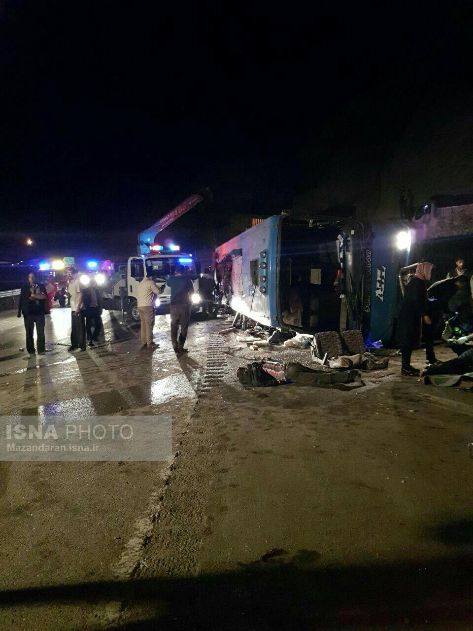 واژگونی اتوبوس در جاده سوادکوه/ ۱۴ کشته و ۱۸ مصدوم+فیلم و عکس