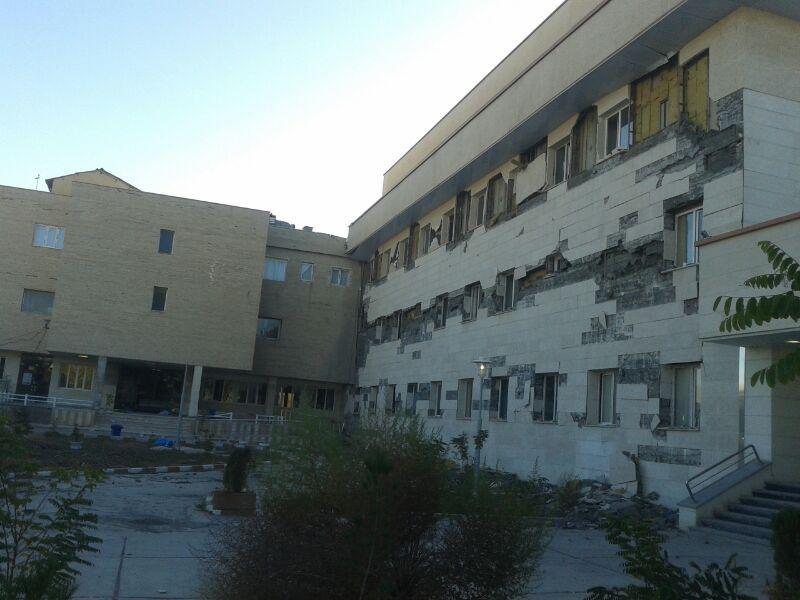 بيمارستان دوم اسلامآباد غرب چند ماه پس از افتتاح فرو ريخت+عکس