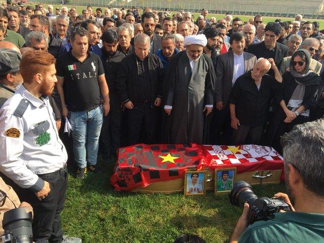 در غیاب پرسپولیسیها، پیکر ابراهیم آشتیانی تشییع شد+عکس
