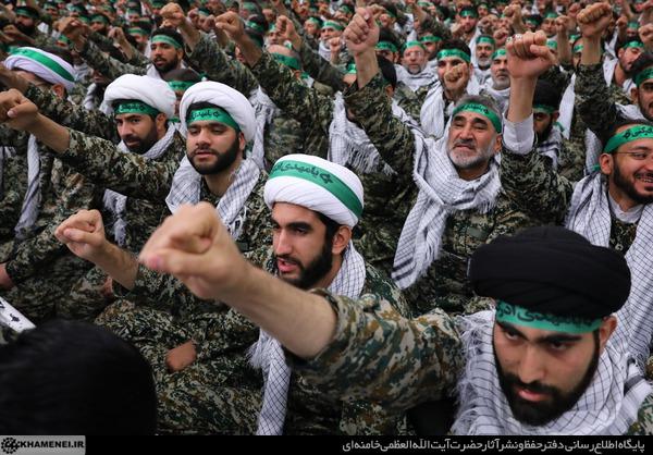 شکست دادن آمریکا در منطقه از معجزات انقلاب اسلامی است/ جوانان مؤمن غده سرطانی دشمن را دفع و منهدم کردند