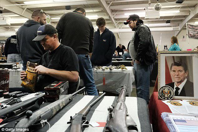کدام افراد علاقه بیشتری به اسلحه دارند؟