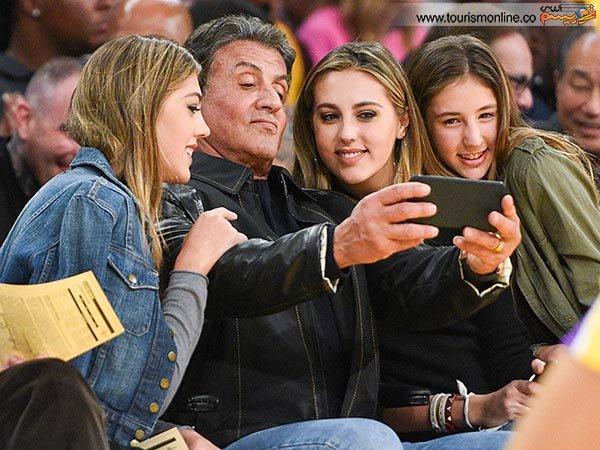 بازیگر مشهور و سه دختر جوانش +عکس