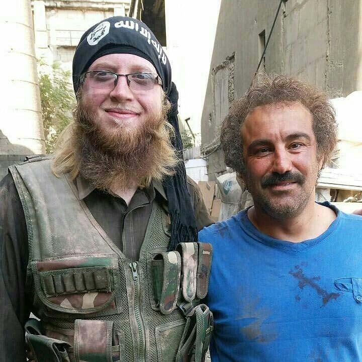 عکس یادگاری محسن تنابنده با یک داعشی! +عکس