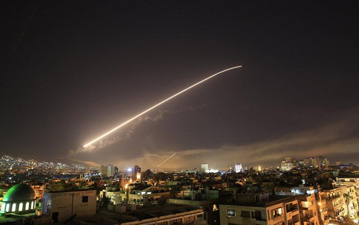 حمله هوایی آمریکا و متحدانش به سوریه/دولت سوریه: بیش از 15 موشک را منهدم کردیم