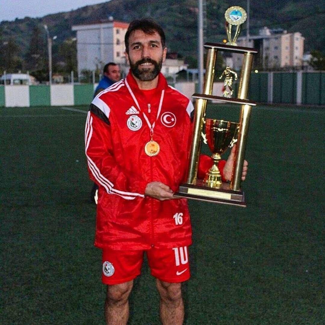 هافبک سابق پرسپولیس با لباس تیم ملی ترکیه+عکس