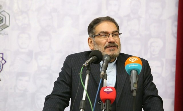 شمخانی: در سفرم به افغانستان، دو نماینده آمریکا به من گفتند میخواهیم با ایران مذاکره کنیم ما مذاکره نخواهیم کرد  مردم ما با اقتدار ایستادهاند  آمریکا مجبور خواهد شد از خلیج فارس خارج شود