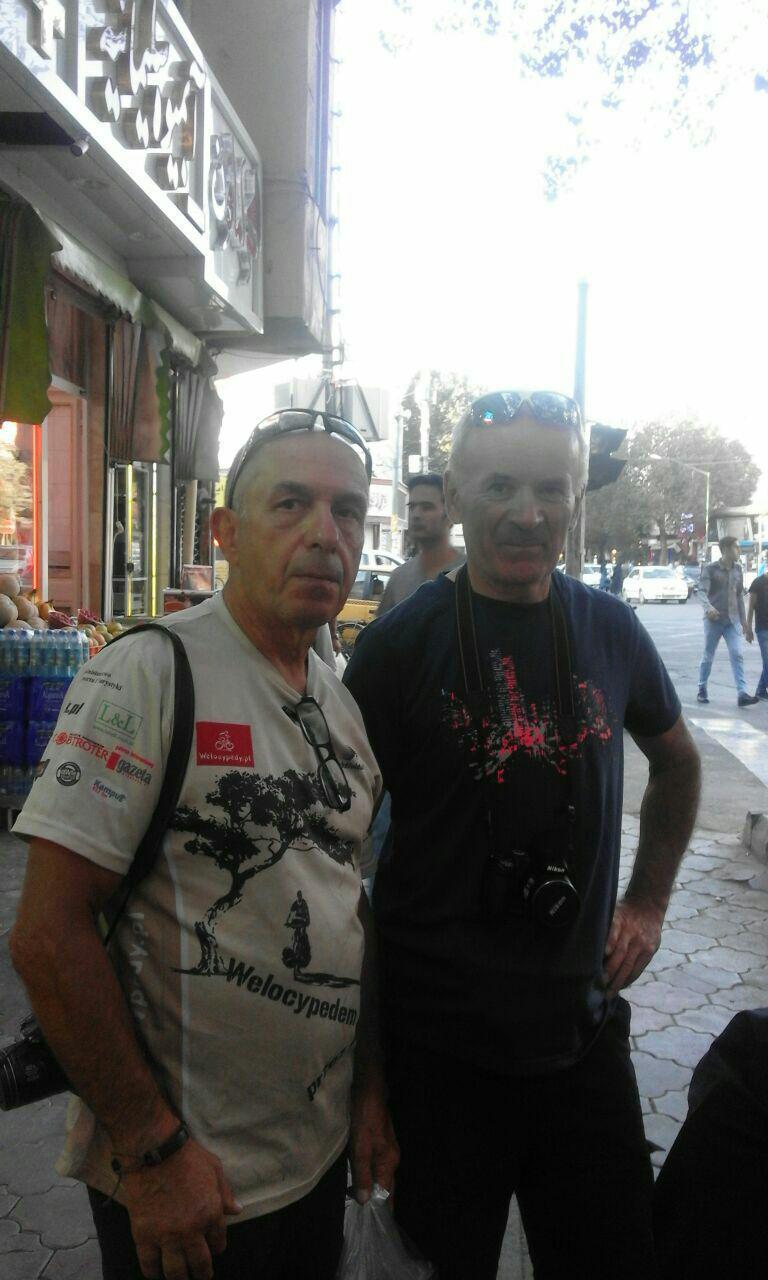 عکس  توریستهای لهستانی در شهر تبریز